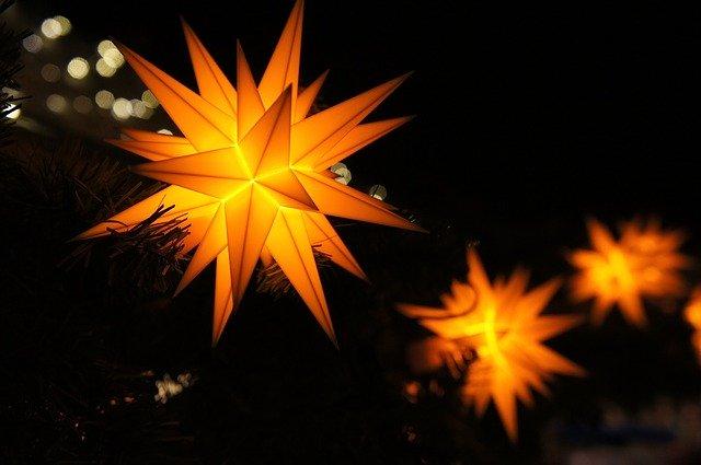 Hvězda - vánoční řetěz